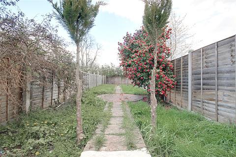 4 bedroom detached house to rent - Kings Road, LONDON, N18