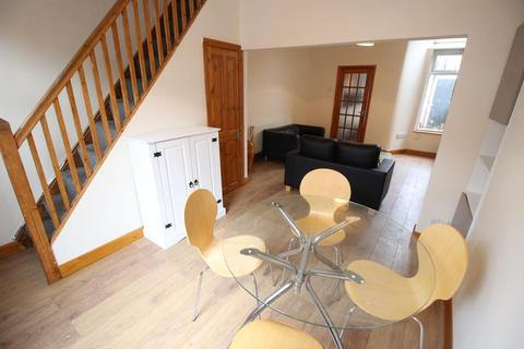 2 bedroom house for sale - Valencia Road, Salford