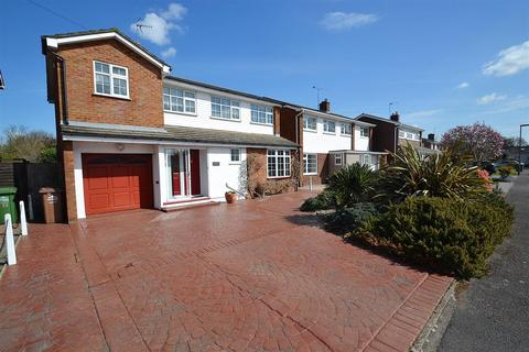 4 bedroom detached house for sale - Park Road, Stanwell