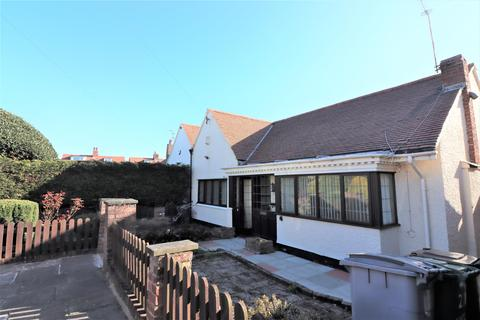 2 bedroom bungalow for sale - Highacre Road, Wallasey, CH45 5DA