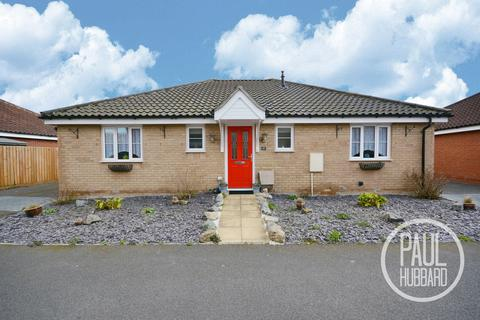 3 bedroom detached bungalow for sale - Sundew Close, Caister-On-Sea, Norfolk