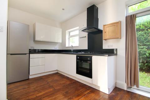3 bedroom semi-detached house to rent - St. Martins Gardens, Chapel Allerton