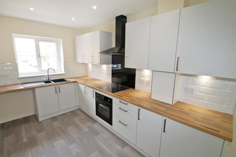 3 bedroom semi-detached house to rent - Lewisham View, Morley