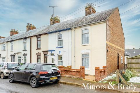 3 bedroom terraced house for sale - St. Julian Road, Caister-on-sea