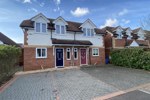 3 bedroom semi-detached house to rent - Orchard Gardens, Ensbury Park , Bournemouth