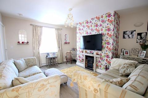 2 bedroom terraced house for sale - York Street,