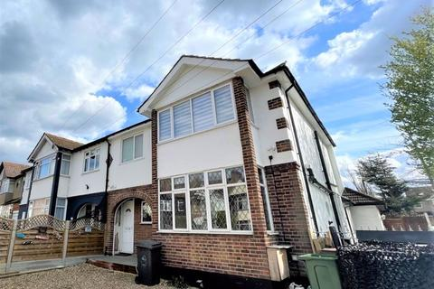 3 bedroom property to rent - Chingford, E4