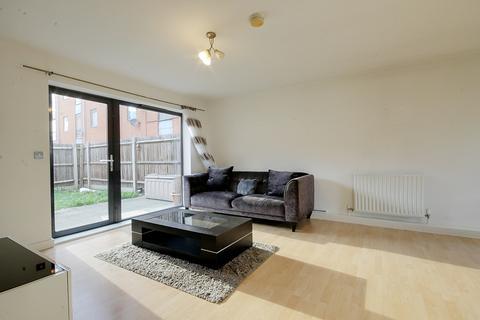 3 bedroom apartment to rent - Helene House Apartments, 25 Vandome Close, E16 3NZ