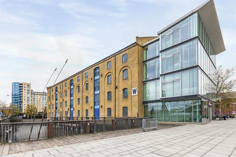2 bedroom apartment to rent - Warehouse W 3 Western Gateway  E16