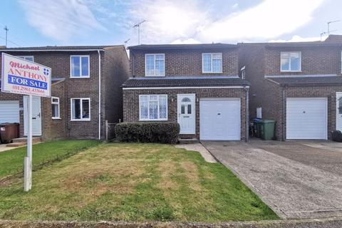 4 bedroom detached house for sale - Picasso Place, Aylesbury