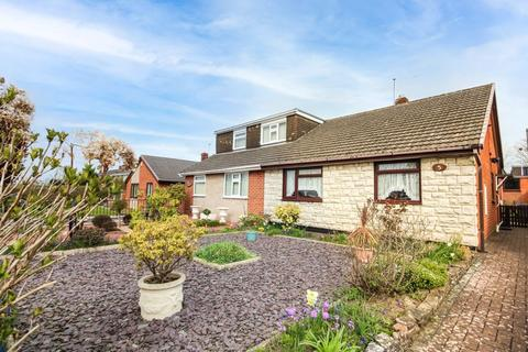 2 bedroom semi-detached bungalow for sale - Holbeach Avenue, Eaton Park, Stoke-On-Trent