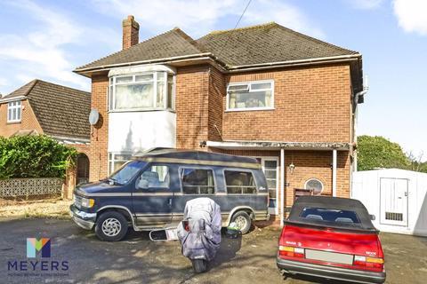 3 bedroom detached house for sale - Littledown Avenue, Littledown, BH7
