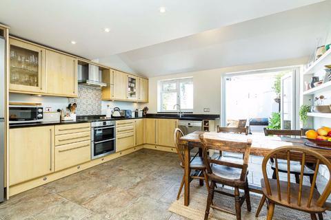 3 bedroom house for sale - Martindale Road, Balham