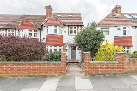 4 bedroom end of terrace house for sale - Castlewood Drive, London, SE9