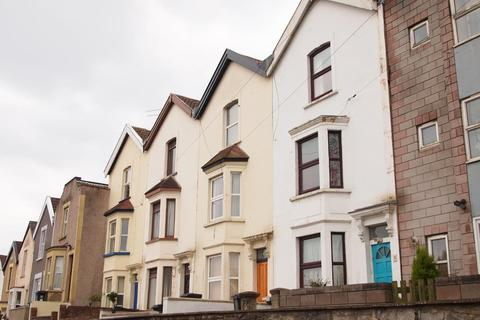 3 bedroom terraced house to rent - Hillside Street, Bristol