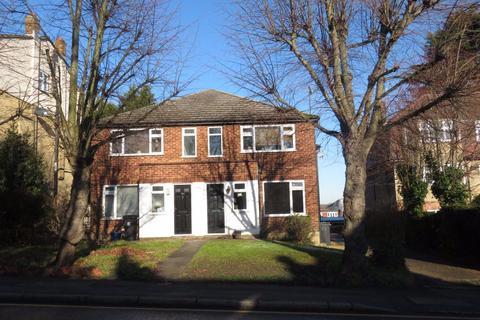 2 bedroom apartment to rent - Palmerston Road, Buckhurst Hill, IG9