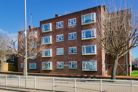 2 bedroom flat for sale - Burmester Road, London