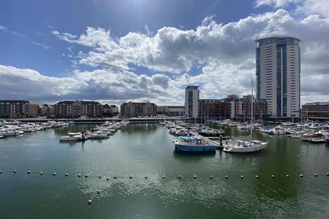 2 bedroom apartment for sale - York Court, Marina, Swansea