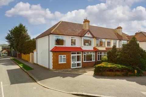 4 bedroom end of terrace house for sale - Ardrossan Gardens, Worcester Park