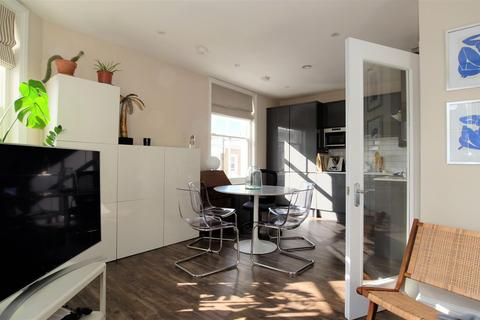 1 bedroom apartment to rent - Portobello Road, London, W11