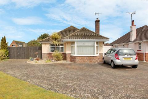 2 bedroom detached bungalow for sale - Goring Way, Goring-By-Sea, Worthing