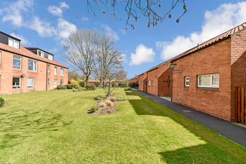 3 bedroom terraced house for sale - Turners Croft, Heslington