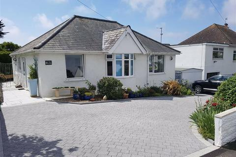 2 bedroom detached bungalow for sale - The Parade, Barry