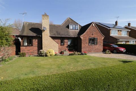 2 bedroom detached bungalow for sale - Darwynn Avenue, Swinton, Mexborough