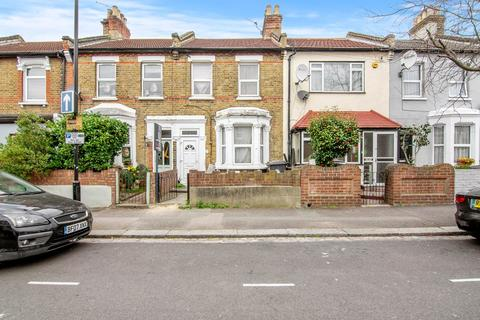 4 bedroom terraced house for sale - Trumpington Road, Forest Gate, London, E7