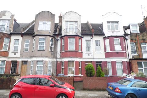 Studio to rent - Victoria Road, London, N18
