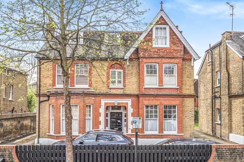 Studio to rent - Culmington Road London W13