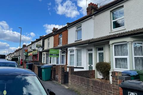 3 bedroom terraced house to rent - Queens Avenue  WD18