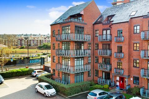 2 bedroom flat for sale - Turlow Court, Leeds, LS9