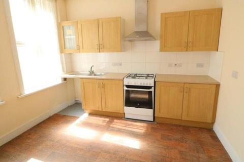 5 bedroom terraced house to rent - Bowes Road, Palmers Green, N13