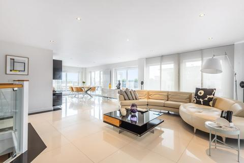 3 bedroom flat for sale - Beaufort Park,  London,  NW9