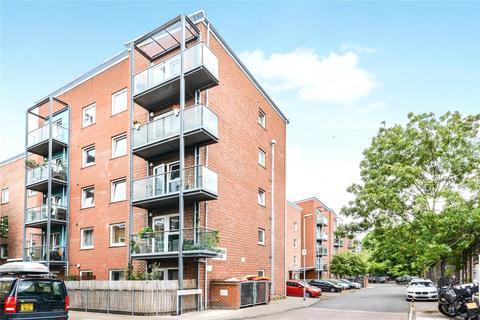 1 bedroom flat for sale - Wynter Street, London, SW11