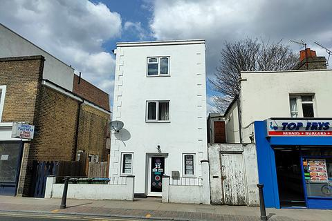2 bedroom penthouse to rent - THE VILLAGE, CHARLTON, LONDON SE7