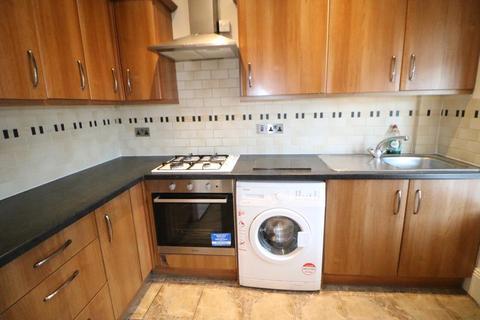 2 bedroom flat to rent - Kelvin Avenue, Palmers Green, N13