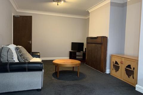6 bedroom semi-detached house to rent - Estcourt Terrace, Headingley, Leeds, LS6