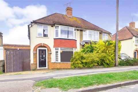 3 bedroom semi-detached house to rent - Osborne Road, Reading, RG30
