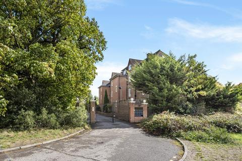2 bedroom flat for sale - Wat Tyler Road, Blackheath