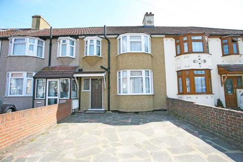 3 bedroom terraced house to rent - Southern Way, Romford, RM7