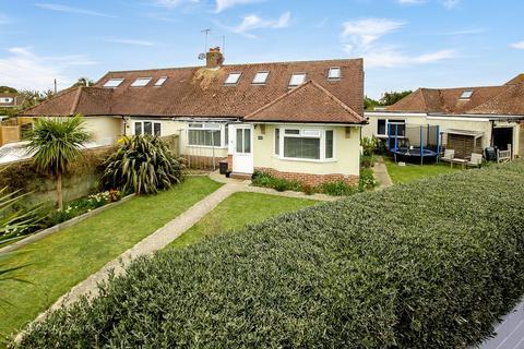 5 bedroom bungalow for sale - Normandy Lane, East Preston, BN16