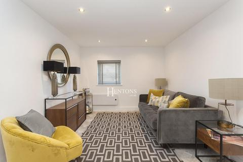 2 bedroom apartment for sale - Connaught Road, Cardiff