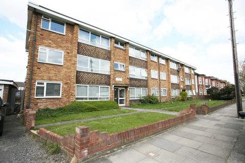 2 bedroom flat to rent - Eastwood Road, Goodmayes, IG3