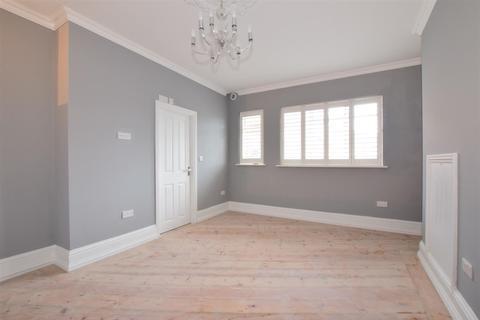 1 bedroom flat to rent - East Street Havant PO9