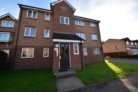 1 bedroom flat to rent - Express Drive , Ilford Essex IG3