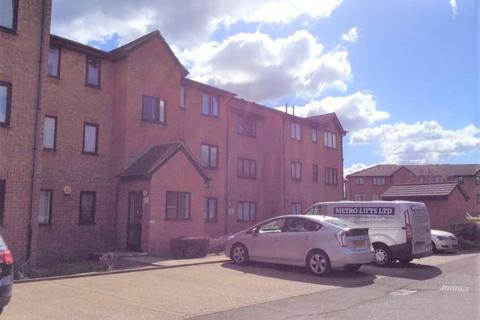 1 bedroom flat to rent - Streamside Close, London, N9