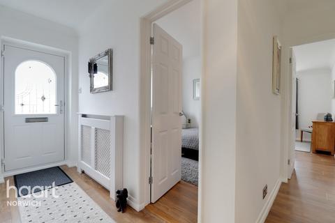 3 bedroom semi-detached bungalow for sale - Lilburne Avenue, Norwich