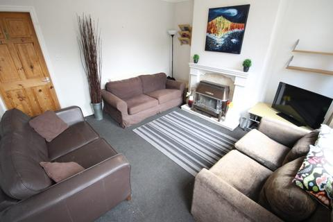 6 bedroom house share to rent - Featherbank Grove, Horsforth, Leeds, LS18 4RD
